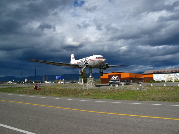 DC-3 acting as a weather vane